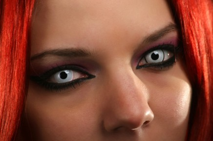 red-hair-halloween-contacts-660x440
